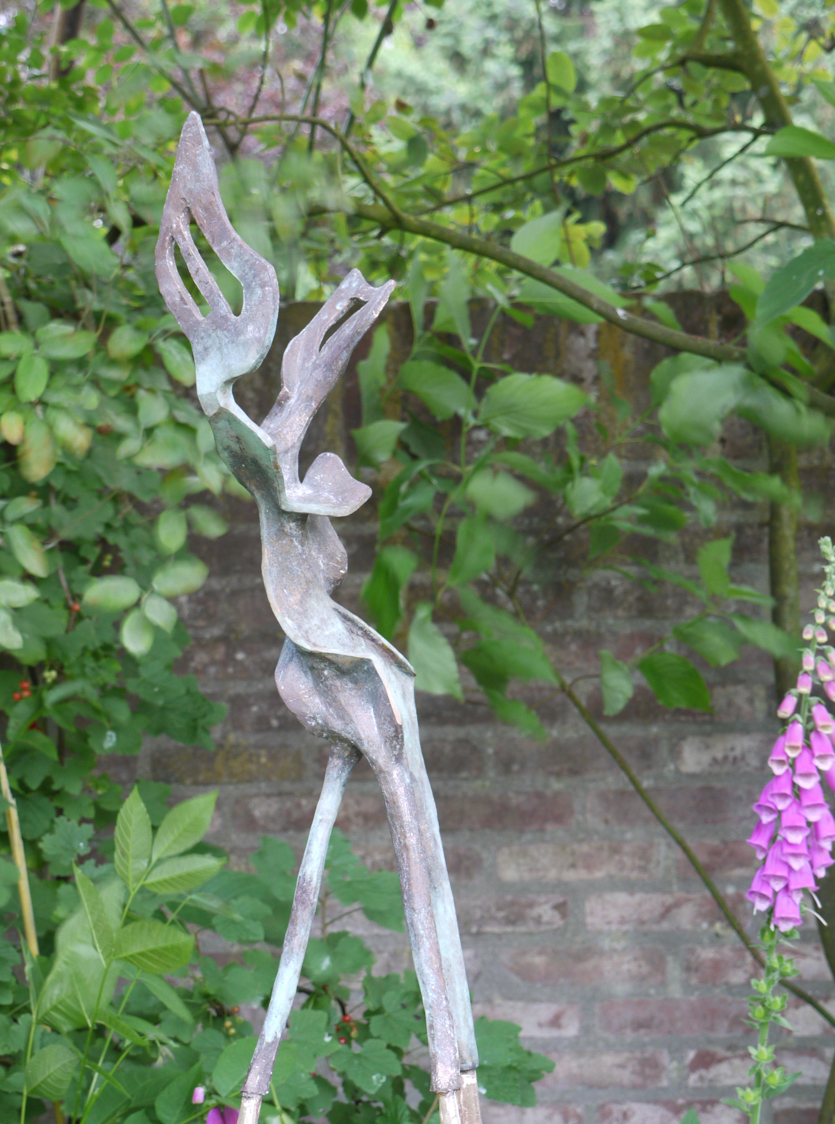 z.t., beeld in brons, hoog 76 cm, 2011