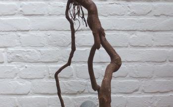z.t., graniet, boomwortel, lood, hoog 52 cm