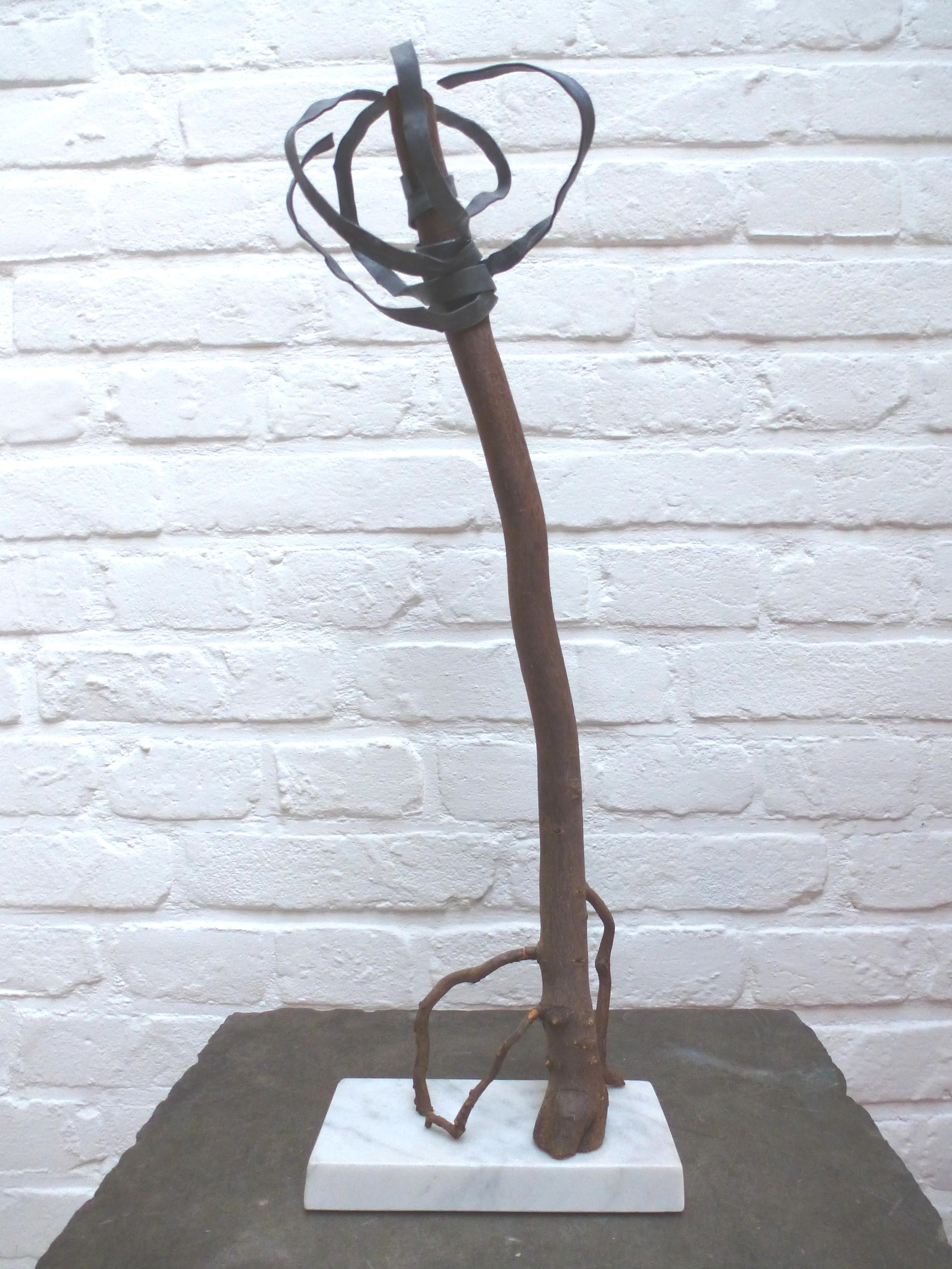 z.t., marmer, boomwortel, lood, hoog 50 cm